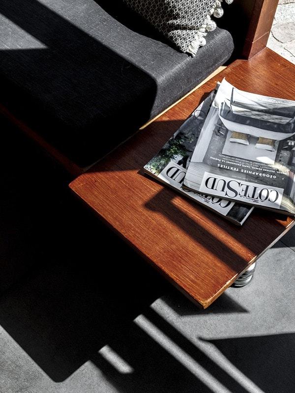 banc vintage en bois avec tablette incorporé